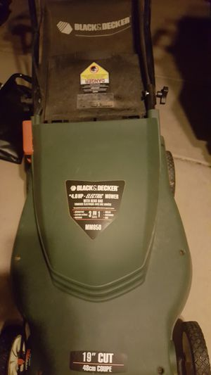 Black and decker electric lawnmower lawn mower for Sale in Chandler, AZ
