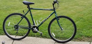 GIANT ALCAPULCO MOUNTAIN BIKE for Sale in North Olmsted, OH