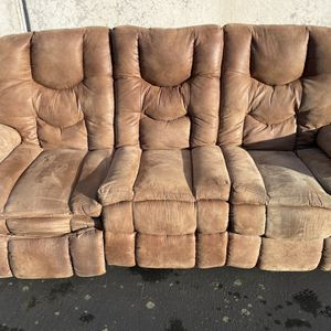 FREE Reclining Couch for Sale in Portland, OR