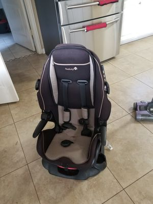 Car seat / booster for Sale in Plano, TX