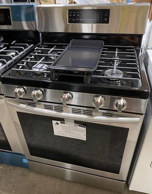 NEW Samsung Gas Range w/Convection & Self Clean Oven (Finance Available) for Sale in East Hartford, CT