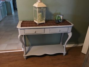 Console table for Sale in Carnegie, PA
