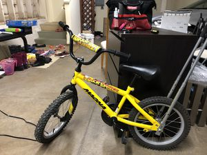 16 inch two wheel bike with balance buddy for Sale in San Francisco, CA