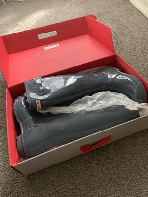 Hunter tall rain boots size 7 for Sale in Camp Pendleton North, CA