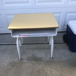 Vintage Student Desk, metal adjustable legs for Sale in Glenshaw, PA