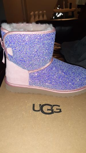 UGG size 8 for Sale in Dallas, TX