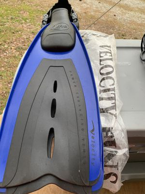 Large/extra large adult flippers for Sale in Jetersville, VA