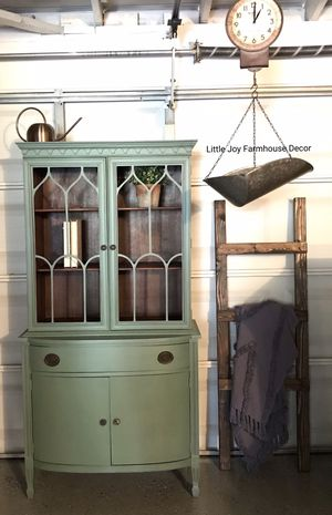 Antique Tri.Bond Furniture One Piece Hutch China Cabinet with Storage for Sale in West Covina, CA