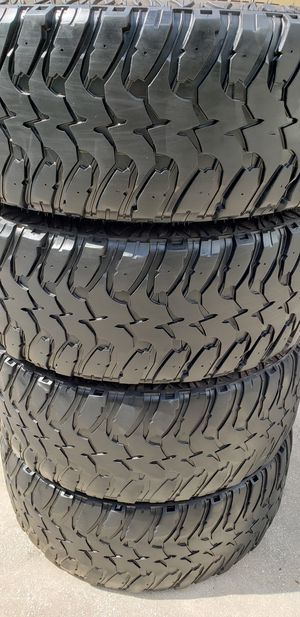 35x12.50x20 MUD TIRES for Sale in Tampa, FL