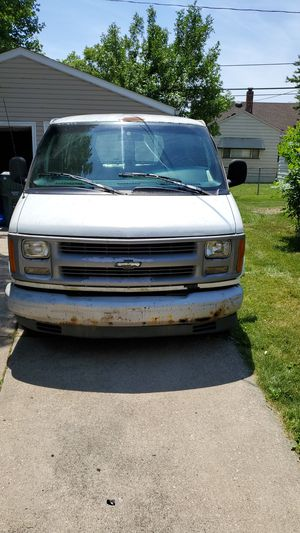 1999 chevy express van 2500 for Sale in Walton Hills, OH