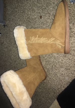 Minnetonka boots size 9 for Sale in Salt Lake City, UT
