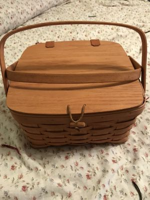 Longaberger Pie Basket for Sale in Anderson, SC