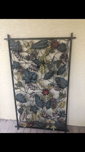 Beautiful floral and leaf metal wall hanging. for Sale in Land O Lakes, FL