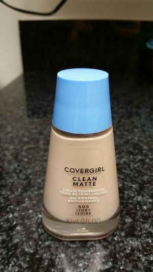 Covergirl liquid foundation for Sale in Laurel, MD