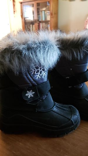 Toddler girls snow boots for Sale in DeBary, FL