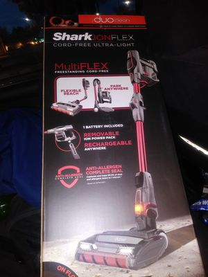 Shark Ion FLEX Cord-free Ultra-Light vacuum for Sale in Modesto, CA