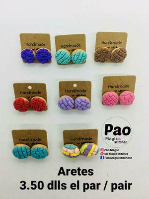 8 earrings of conchas...25.00 for Sale in Houston, TX