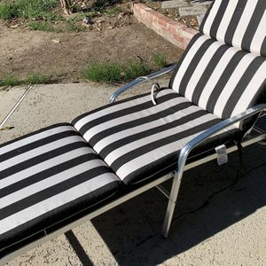 Ches Lounge With Sunbrella Fabric for Sale in Los Angeles, CA