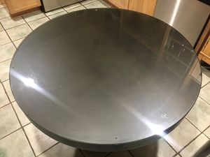 Round table for Sale in Irwindale, CA