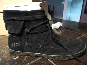 UGG ankle boots size 9 for Sale in Orlando, FL