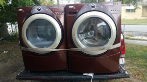 Whirlpool duet ht Steam front load washer and dryer for Sale in Miami, FL