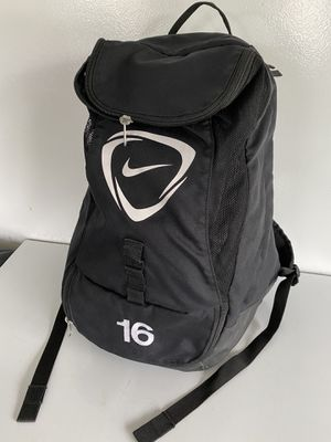 Nike 16 large 35L backpack for Sale in Mukilteo, WA