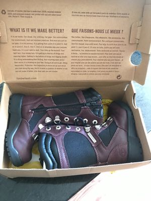 ToddlEr girls tall timberlands burgundy for Sale in Glen Burnie, MD