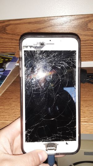 iPhone 6s plus for Sale in Danville, PA