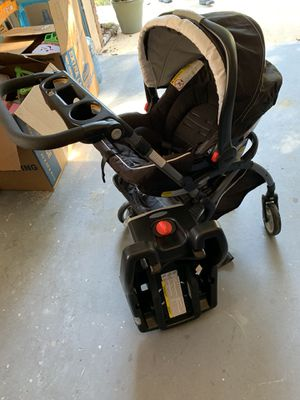 Graco car seat with base and stroller frame for Sale in Orlando, FL