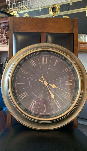 Vintage clock for Sale in Sacramento, CA
