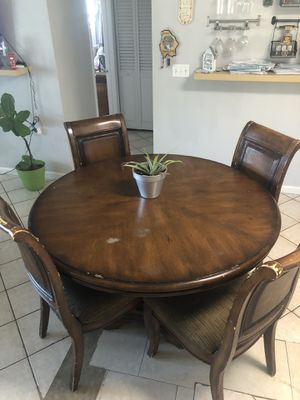 Wood kitchen table for Sale in Tamarac, FL