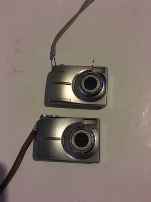 2 Digital Cameras for Sale in St. Louis, MO
