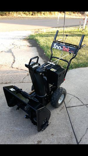 """Ariens Sno-Tek 26"""" Inch 2-Stage Gas Self Propelled Snowblower 208cc 4-Cycle Engine for Sale in Aurora, IL"""