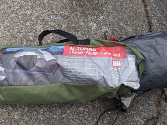Alturas 4 man tent for Sale in Bothell,  WA