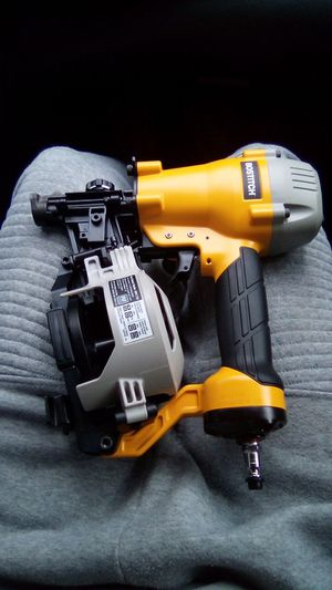 Nail gun - roofing nailer coil -Bostitch - for Sale in Gray Court, SC