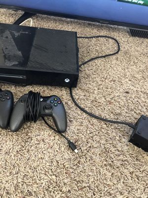 Xbox one 2 wired controllers w madden 20 120$ firm for Sale in Columbus, OH