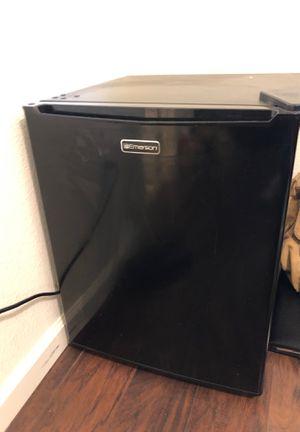 Mini fridge for Sale in Richmond, CA