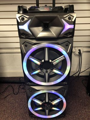 Bluetooth speaker 🔊 karaoke 🎤 for Sale in Alexandria, VA