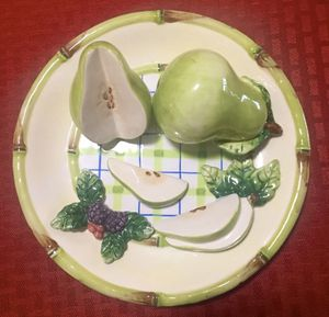 "Bella Casa by Ganz Collectible 3D 8"" Decorative Plate for Sale in New Port Richey, FL"
