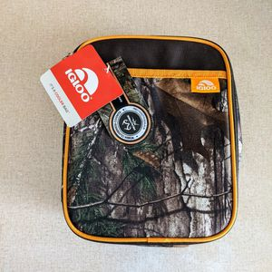 IGLOO Real tree Lunch/Cooler Bag Camo Brown for Sale in Watsonville, CA