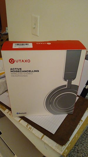 Utaxo Active Noise Cancelling Bluetooth Headphones for Sale in Pittsburgh, PA