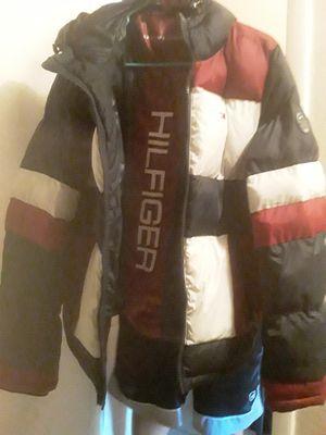 Tommy hillfiger rain coat for Sale in Las Vegas, NV