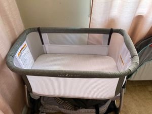 Baby Delight Beside Me Bassinet for Sale in Union Park, FL