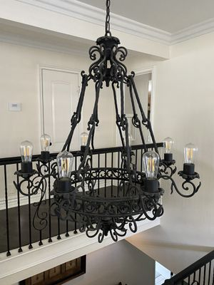 8 light Iron chandelier for Sale in Rancho Cucamonga, CA