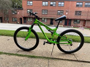 Lime green huffy mountain bike for Sale in Baltimore, MD