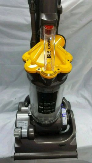Dyson DC33 Vacuum Cleaner In Great Shape for Sale in Largo, FL