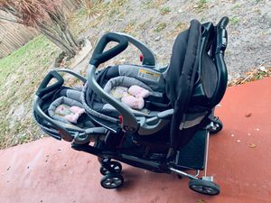 A combo of double stroller and baby car seat together for Sale in Fort Lauderdale, FL