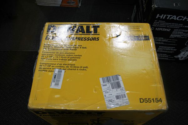 Dewalt 4 Gallon Electric Wheeled Air Compressor