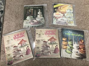 Vintage Wilton cake decorating yearbooks for Sale in Elk Grove, CA
