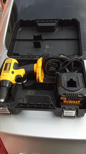 Dewalt drill with case for Sale in Jacksonville, FL